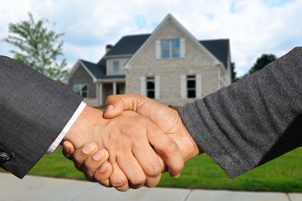 Mit Immobilien lässt sich viel Geld im Internet verdienen