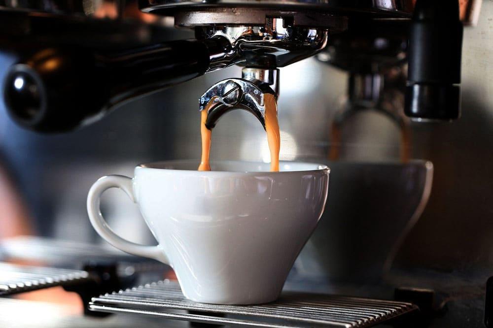 Kauf einer Kaffeemaschine fürs Home-Office: Was du beachten solltest