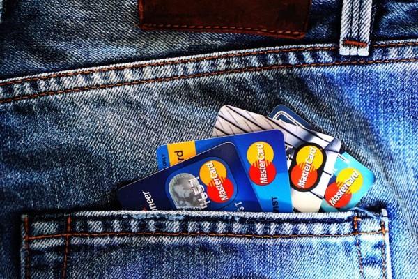 Wie bezahle ich mit einer Kreditkarte sicher online?